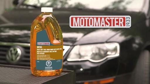 Additif de carburant avec antigel MotoMaster - image 9 from the video