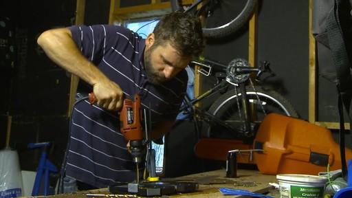Ensemble de forets enduits de titane MAXIMUM – Témoignage d'Eric - image 4 from the video