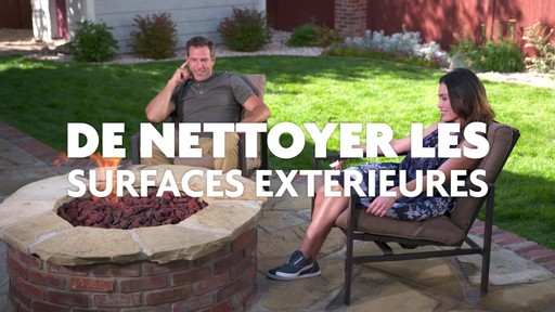 Nettoyant concentré pour l'extérieur Scotts Oxi - image 8 from the video