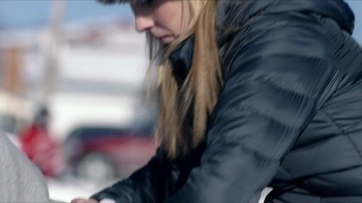 Célébrer - publicité télévisée, 30 sec (Nous jouons tous pour le Canada) - image 4 from the video