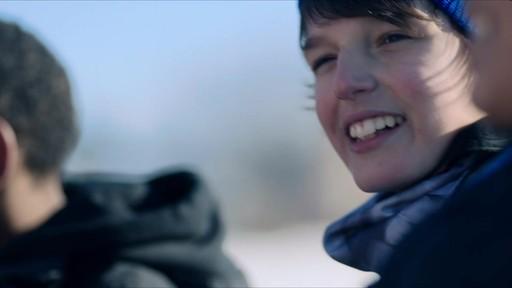 Célébrer - publicité télévisée, 30 sec (Nous jouons tous pour le Canada) - image 5 from the video