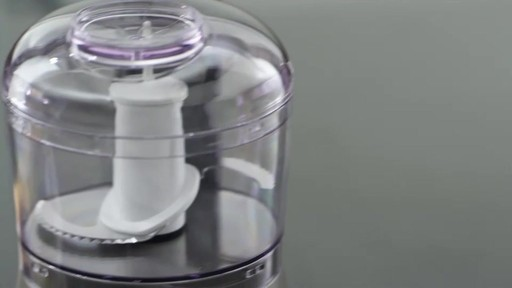 Hachoir KitchenAid, 3,5 tasses - image 4 from the video