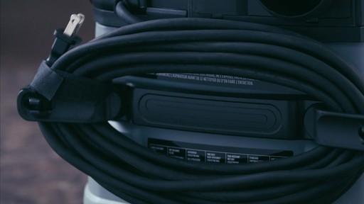 Aspirateur de déchets secs et humides MAXIMUM, inox, 30 L - image 5 from the video