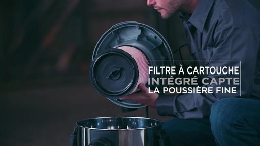 Aspirateur de déchets secs et humides MAXIMUM, inox, 30 L - image 8 from the video