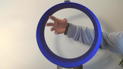 Ventilateur de bureau Dyson CoolMC – Témoignage de Jim - image 8 from the video