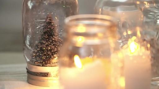 Comment faire une boule à neige avec un pot Mason  - image 3 from the video