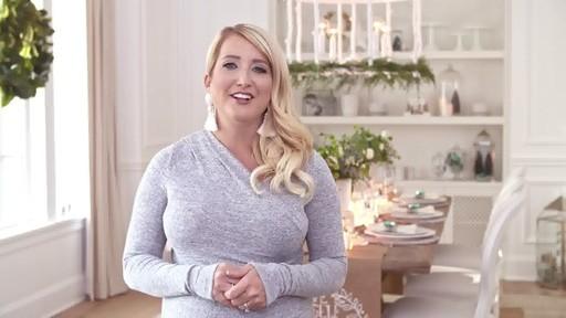 Comment faire une boule à neige avec un pot Mason  - image 9 from the video