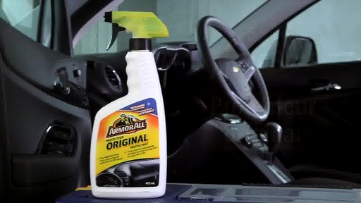 Produit de protection Armor All - image 9 from the video
