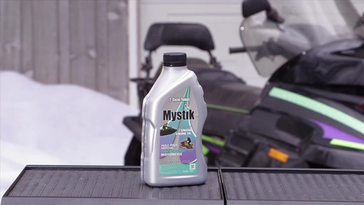 Les huiles Mystik 2 temps, motomarine et motoneige, et JT-4 4 temps - image 9 from the video