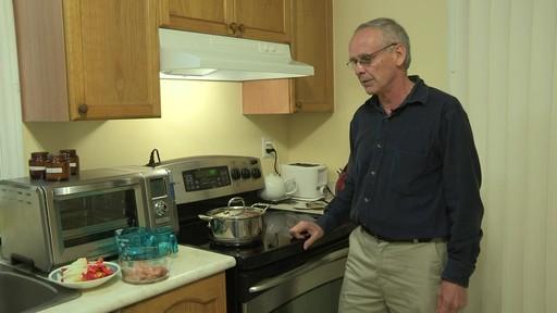 Batterie de cuisine en cuivre à 5 couches Lagostina – Témoignage de Mark - image 1 from the video
