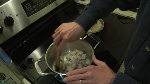 Batterie de cuisine en cuivre à 5 couches Lagostina – Témoignage de Mark - image 5 from the video