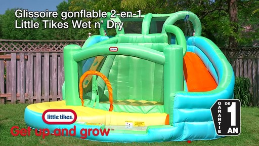 Glissoire gonflable 2-en-1 Little Tikes Wet N' Dry - image 10 from the video
