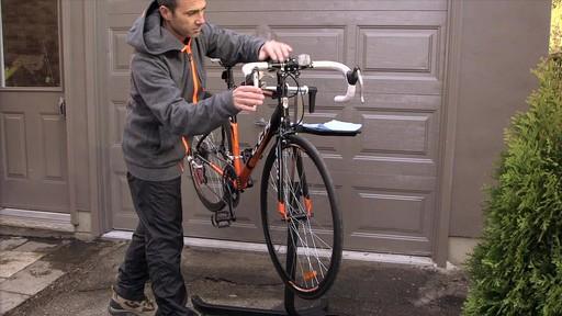 Entretien des vélos - image 1 from the video
