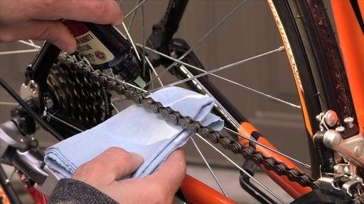 Entretien des vélos - image 4 from the video