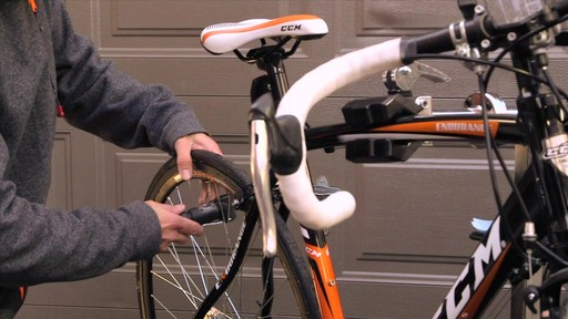 Entretien des vélos - image 5 from the video