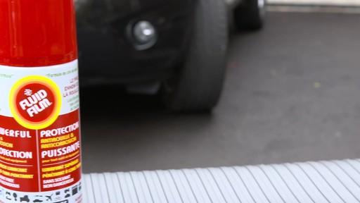Lubrifiant et pénétrant anti-rouille Fluid Film - image 7 from the video