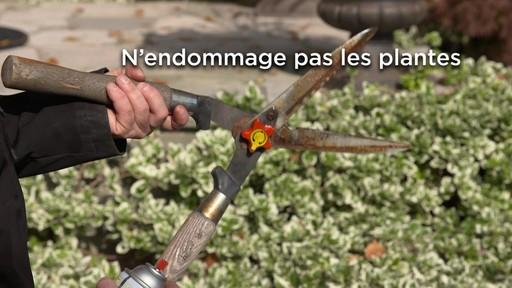 Lubrifiant et pénétrant anti-rouille Fluid Film - image 9 from the video