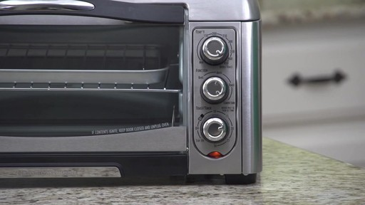 Four grille-pain à convection Hamilton Beach Easy-Reach - image 8 from the video