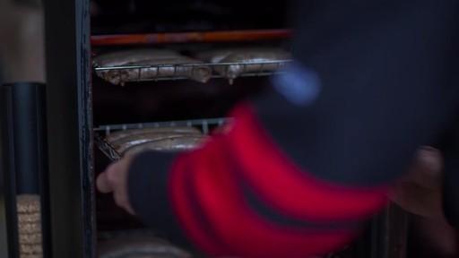 Fumoir de Bradley - le témoignage de Martin - image 5 from the video