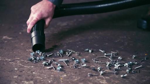 Aspirateur de déchets secs et humides MAXIMUM, 45 L - image 3 from the video