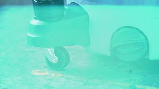 Aspirateur de déchets secs et humides MAXIMUM, 45 L - image 6 from the video