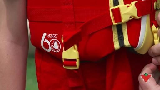 Comment choisir un vêtement de flottaison individuel (VFI) - image 9 from the video