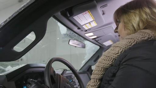 Balai d'essuie-glace Reflex Ice – Témoignage de Denise - image 6 from the video