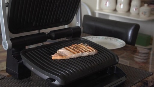 Gril T-Fal OptiGrill – Témoignage de Wendy - image 4 from the video