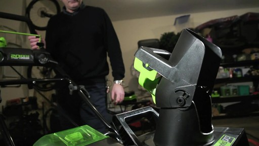 Souffleuse à feuilles 80 V Green Works – Témoignage de Tony - image 6 from the video