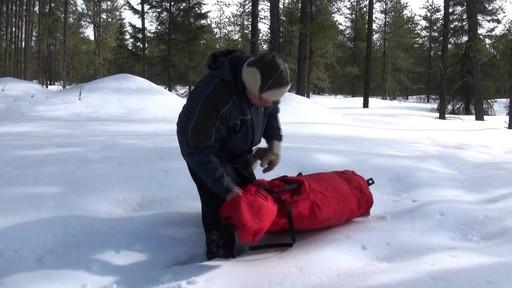 Abri démontable Eskimo Fatfish 767 - Témoignage de Roger - image 2 from the video
