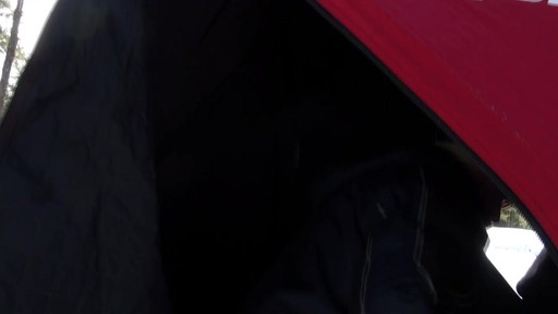 Abri démontable Eskimo Fatfish 767 - Témoignage de Roger - image 8 from the video