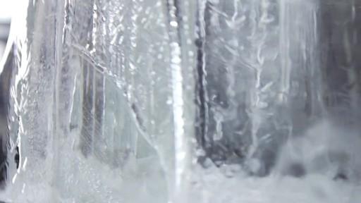 Vidéo de la fonte du camion de glace Canadian Tire  - image 2 from the video