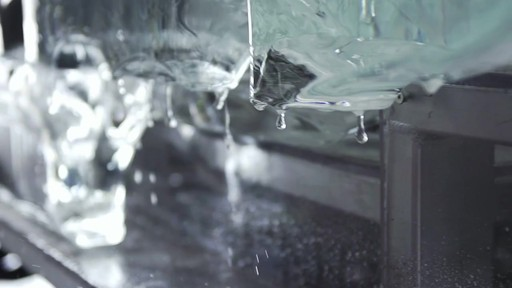 Vidéo de la fonte du camion de glace Canadian Tire  - image 3 from the video
