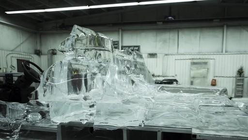 Vidéo de la fonte du camion de glace Canadian Tire  - image 4 from the video