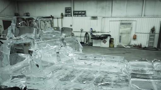 Vidéo de la fonte du camion de glace Canadian Tire  - image 5 from the video