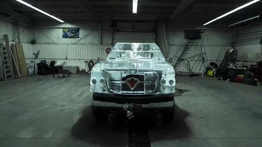Vidéo de la fonte du camion de glace Canadian Tire  - image 8 from the video