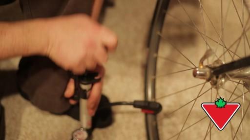 Selle de vélo pneumatique Schwinn Ultra - Témoignage de Jordan - image 5 from the video