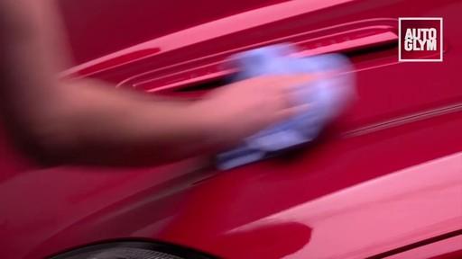 Nécessaire de pain d'argile Autoglym - image 7 from the video