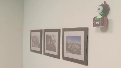 Comment accrocher un tableau au mur - image 10 from the video