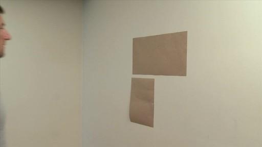 Comment accrocher un tableau au mur - image 3 from the video