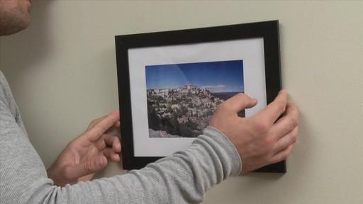 Comment accrocher un tableau au mur - image 5 from the video