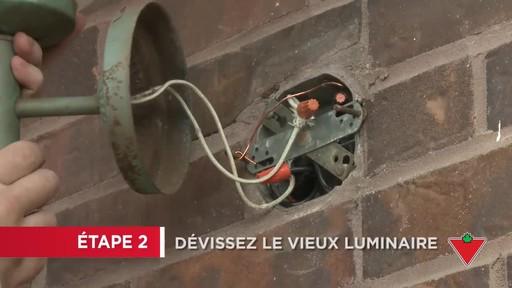Comment installer un éclairage de sécurité - image 2 from the video