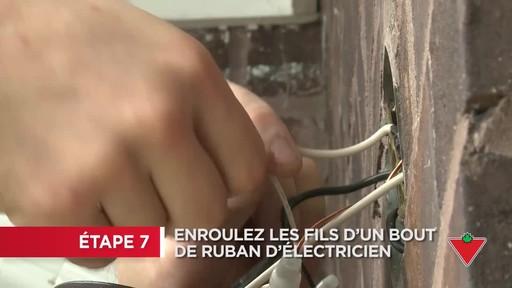 Comment installer un éclairage de sécurité - image 6 from the video