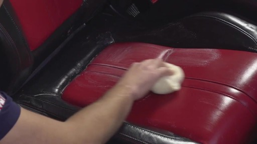 Nettoyant pour cuir Autoglym - image 4 from the video
