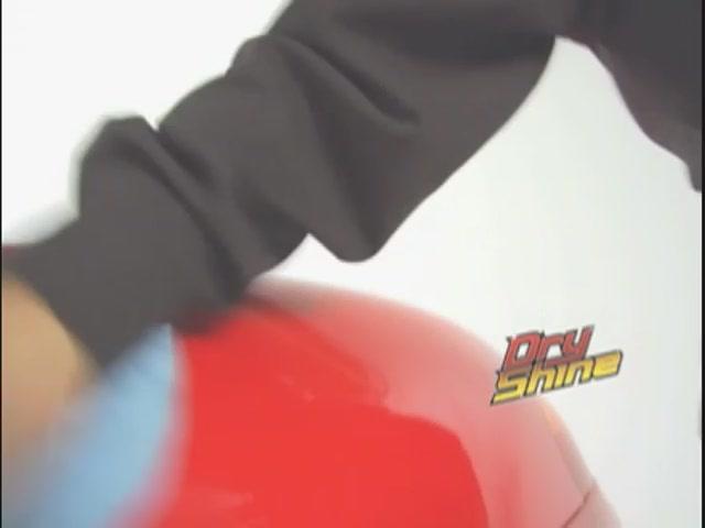 Produit de lavage et cirage sans eau Dry Shine - image 9 from the video