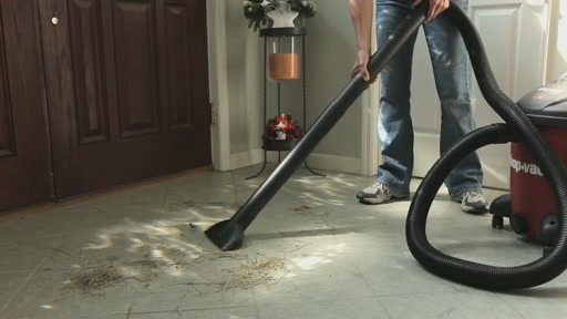 Aspirateur Ultra Shop-Vac - image 8 from the video