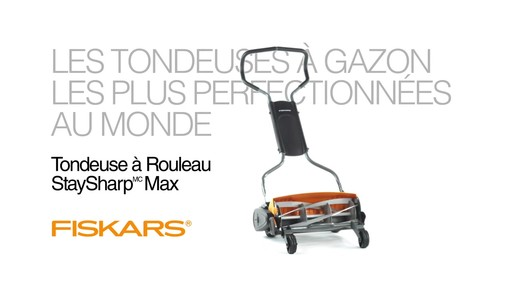 Tondeuse manuelle Fiskars StaySharp Max - image 10 from the video