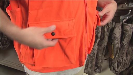 Gilet de chasse de luxe Yukon Gear, orange vif - image 4 from the video