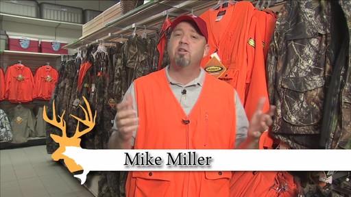 Gilet de chasse de luxe Yukon Gear, orange vif - image 9 from the video