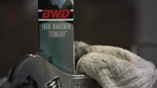 BWD Oil Level Sensor - image 1 from the video
